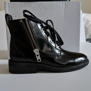 ‼️ABOUND Faux leather bootsies size 5.5‼️